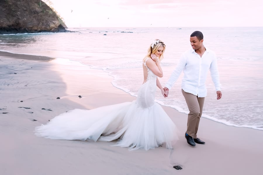 Allie and Jeff's Chic Beach Wedding in Costa Rica