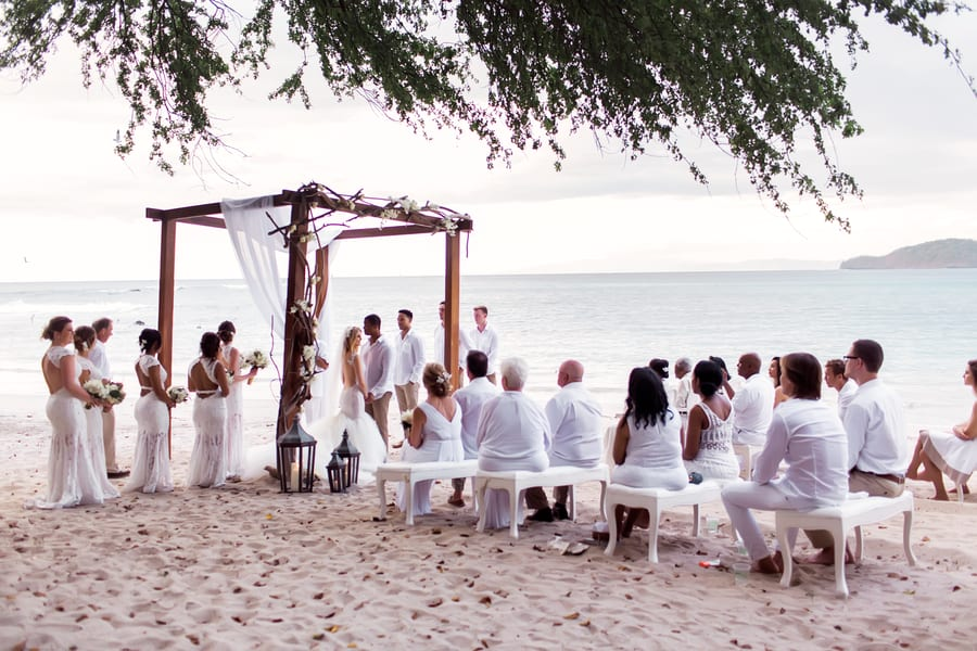 Intimate Weddings: What they are, and why they're growing in popularity