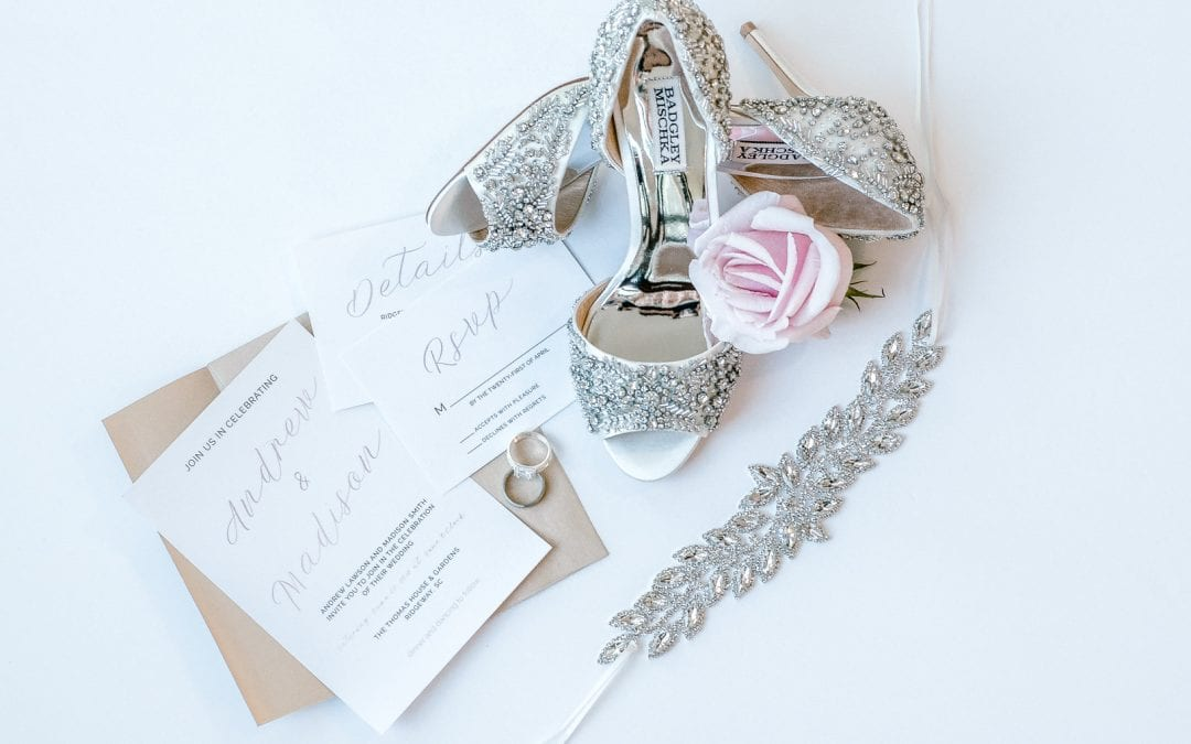 Cameo, Lace & Pearl Wedding Inspiration