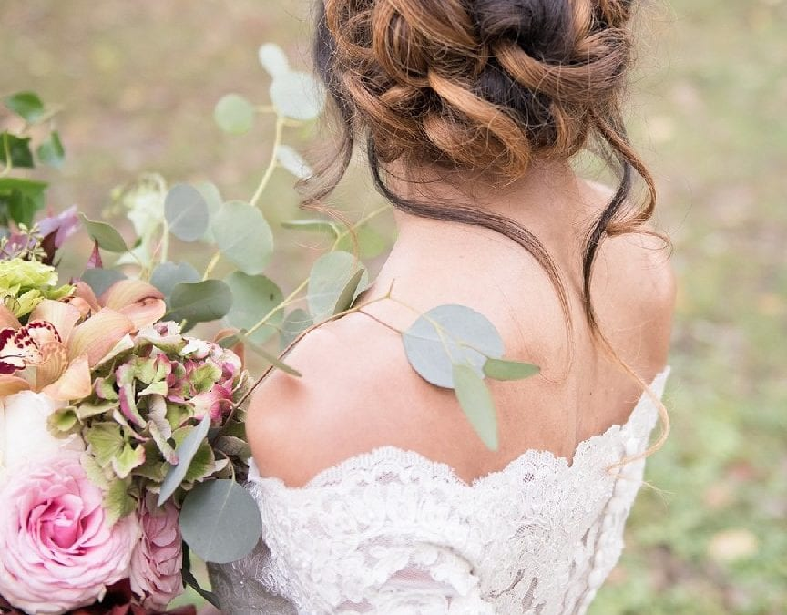 Wisteria Wedding Colors and a Victorian Mansion: Styled Shoot