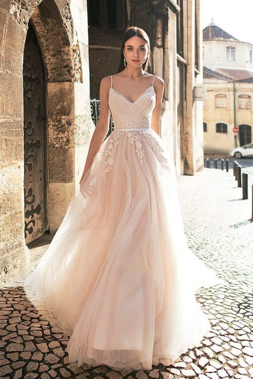 Romantic tulle wedding dress