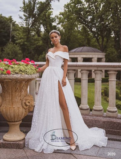 Elegant off shoulder wedding dress