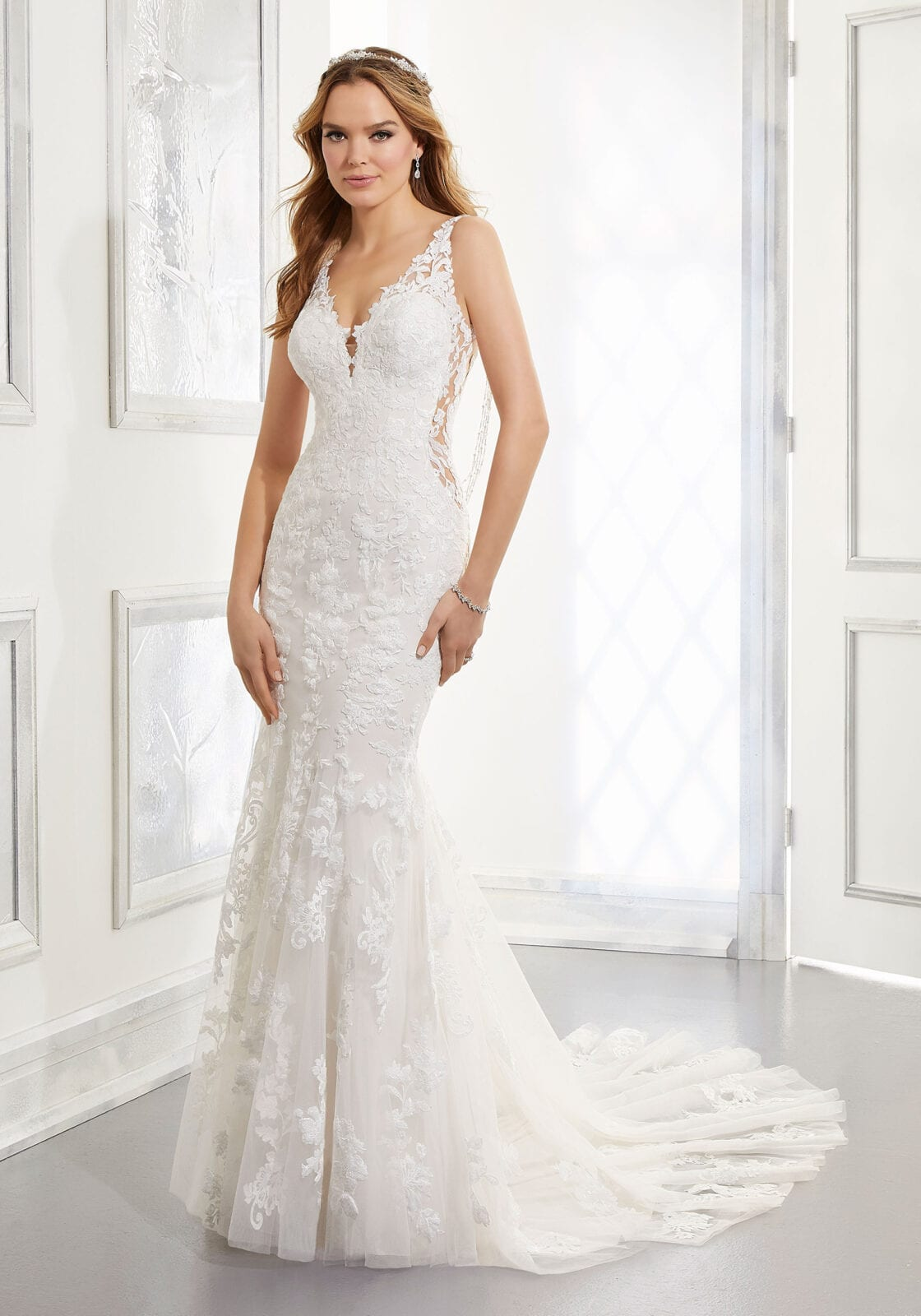 Form fitted wedding gown