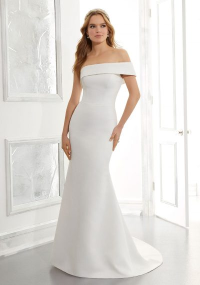 clean and simple wedding dress