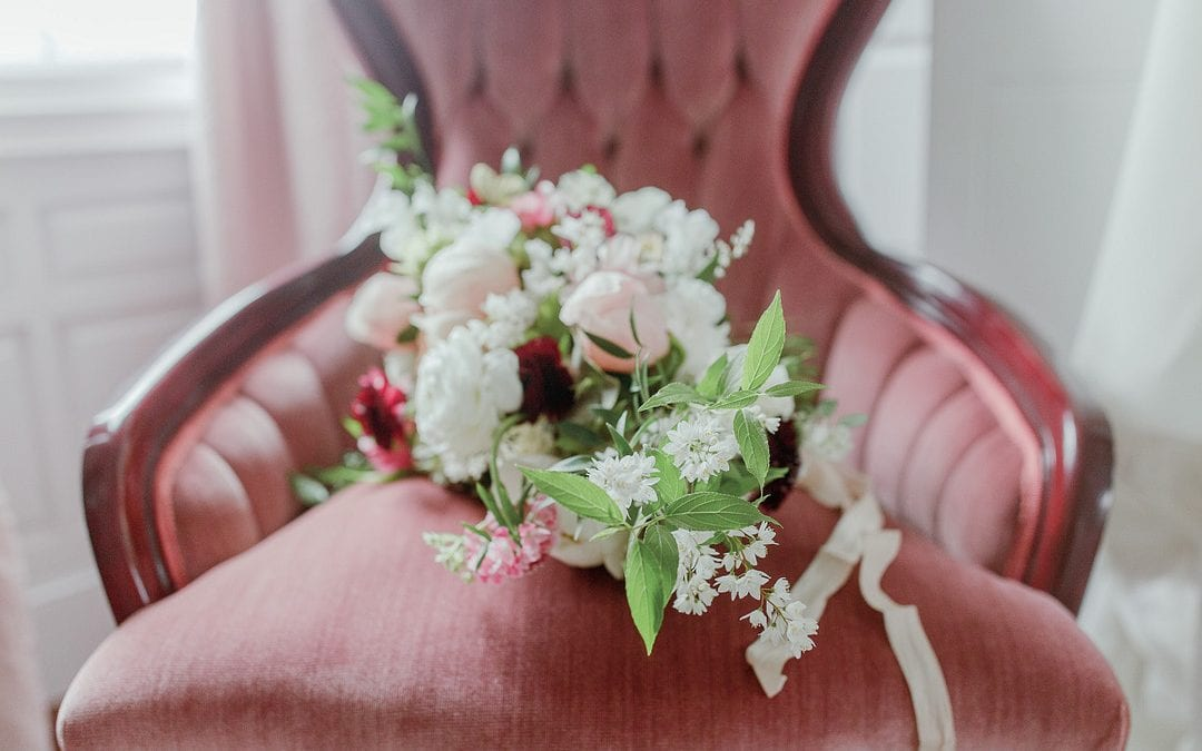 When Should I Hire a Florist For My Wedding?