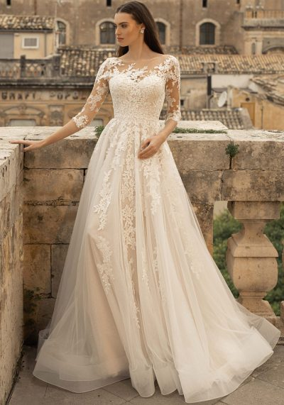 Aline wedding dress with mesh lace sleeves and tulle skirt